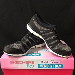 New Sketchers Women's Shake It Off Shoes